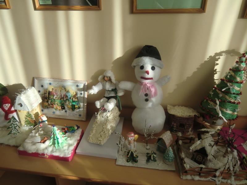 Выставка детских поделок 'Зимушка хрустальная'